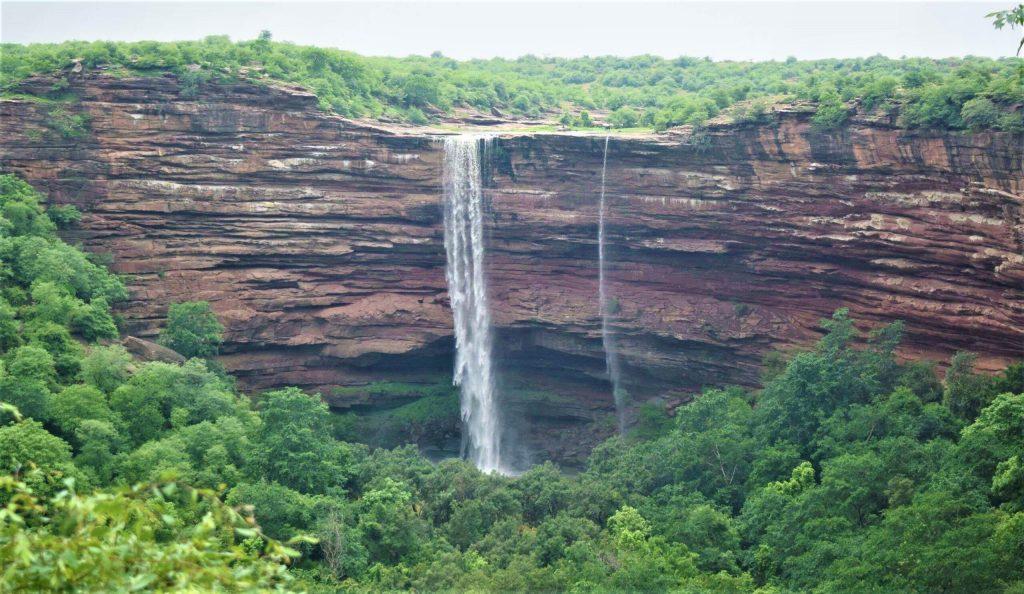 Damoye Waterfall